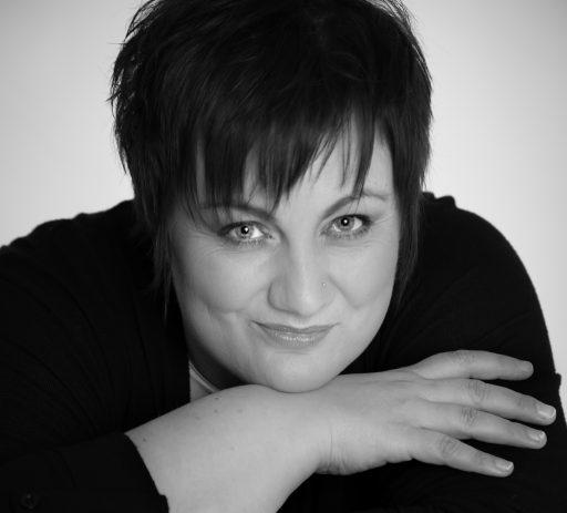 Trauersängerin Rita Röscher aus Herford